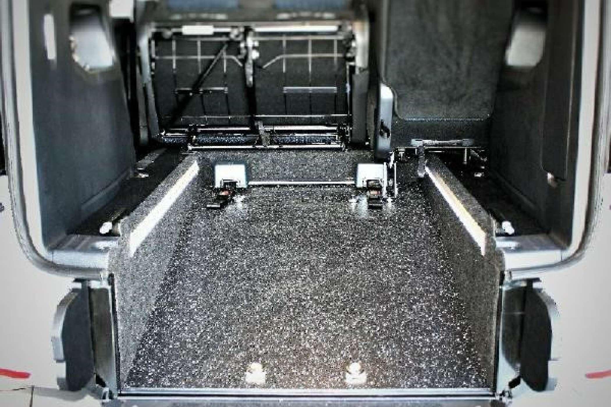 rolli taxis zawatzky bringt vw caddy optimus. Black Bedroom Furniture Sets. Home Design Ideas
