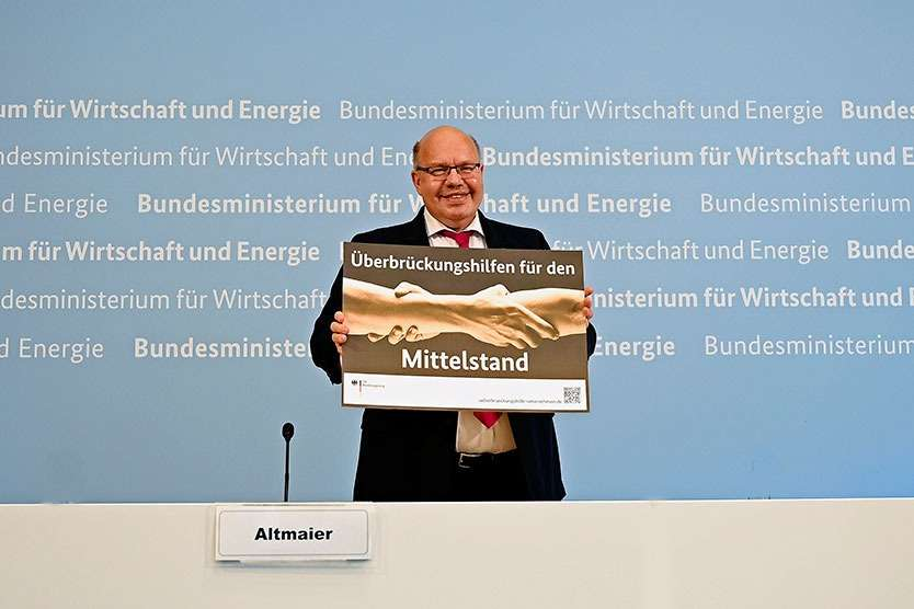 Bundeswirtschaftsminister Peter Altmaier hat die Überbrückungshilfen vorgestellt, die nur über Steuer-Fachleute beantragt werden dürfen. (Foto: Andreas Mertens/BMWi)
