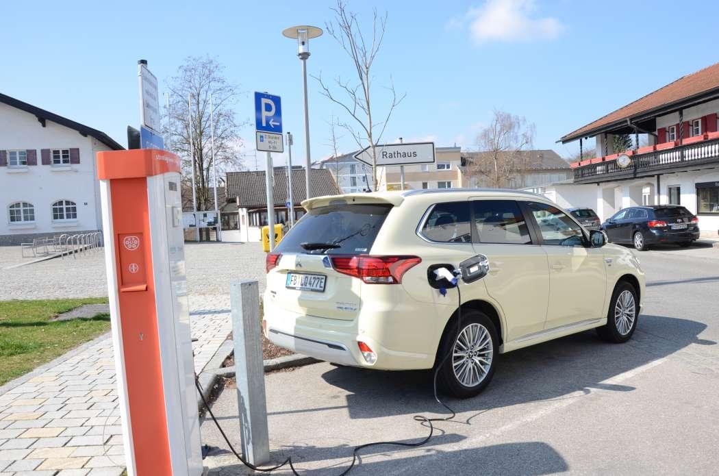 Die neuen Möglichkeiten der Länder und Kommunen könnten Taxis mit Hybrid- oder Elektroantrieben begünstigen. (Foto: Dietmar Fund)