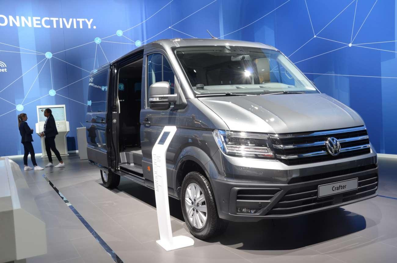 Der Neue Crafter Kombi Ist Endlich Fertig Lieferwagen Vans Und